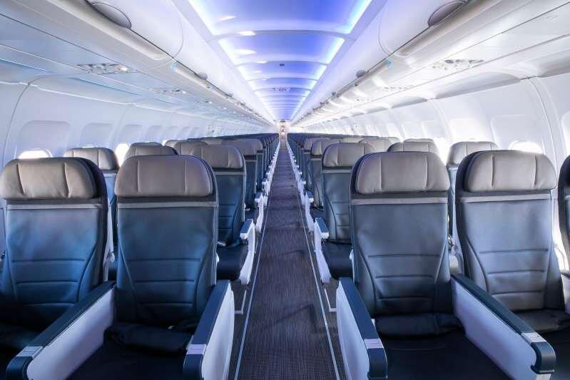 راهکار فروش بلیت هواپیما در رکود بازار کرونا ، یک ردیف کامل را به قیمت یک صندلی بخرید