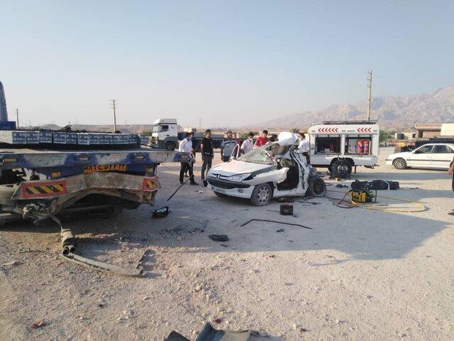 تصادف پژو با تریلر 2 کشته بر جا گذاشت