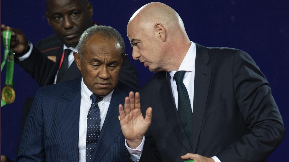 خبرنگاران رییس کنفدراسیون فوتبال آفریقا پنج سال محروم شد