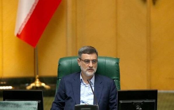 انتقاد قاضی زاده هاشمی از رفتار های دوگانه دولت درقبال طرح معیشتی مجلس