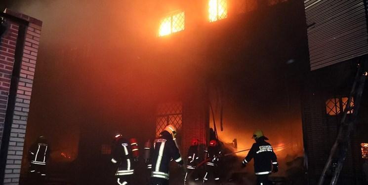 مهار آتش&zwnjسوزی مهیب کارخانه فراوری شیر&zwnjآلات بهداشتی