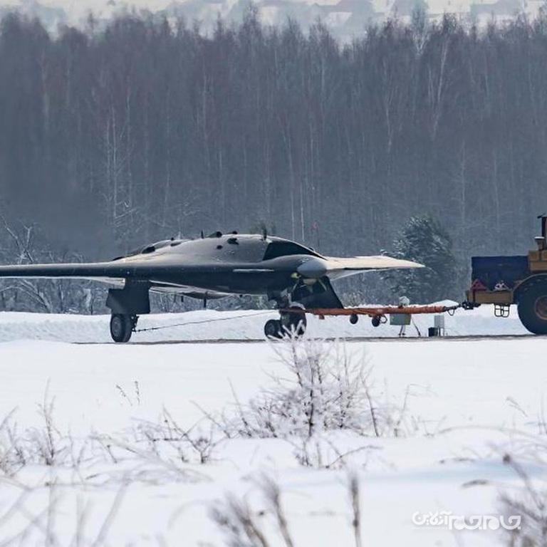 سوخو S-70 اوخوتنیک-بی؛ پهپاد جت رادار گریز روسها