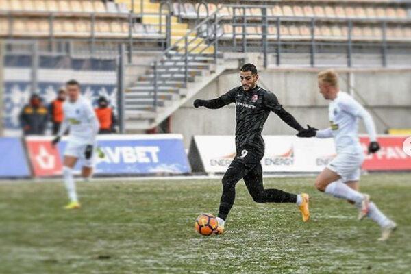 انتظار رئیس باشگاه زوریا از مهاجم ایران، زاهدی حداقل 5 گل بزند!