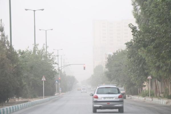 خیزش گرد و خاک در 13 استان